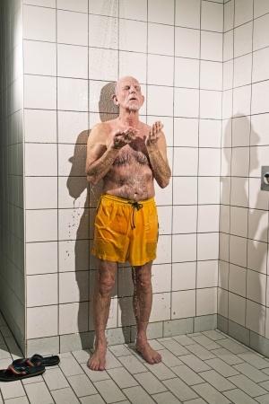 Behindertengerechtes Bad – Diese Fliesen nicht verwenden!